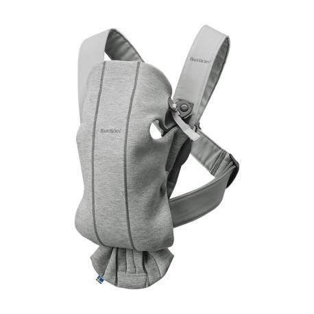 Mochila Portabebé Mini de BabyBjorn gris claro